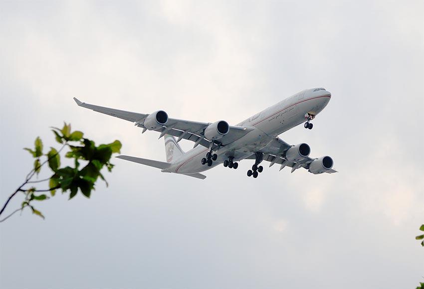 plane 850